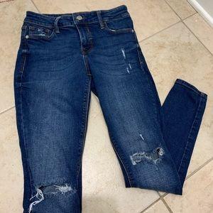 ✰ old navy distressed rockstar jeans ✰